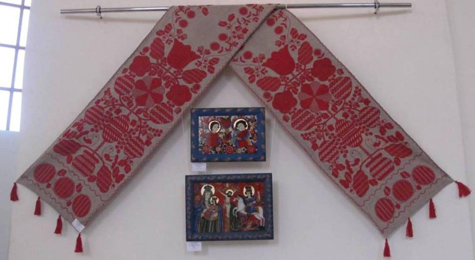 74d8a54eaf6aa1 Експозицію виставки образотворчого та декоративно-прикладного мистецтва,,  присвячену Великодню, складають роботи аматорських студій та майстрів  народної ...