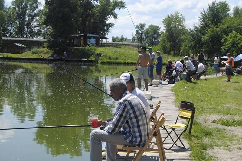 На фестивалі «Золота рибка» кияни виловили майже чотири кілограми риби