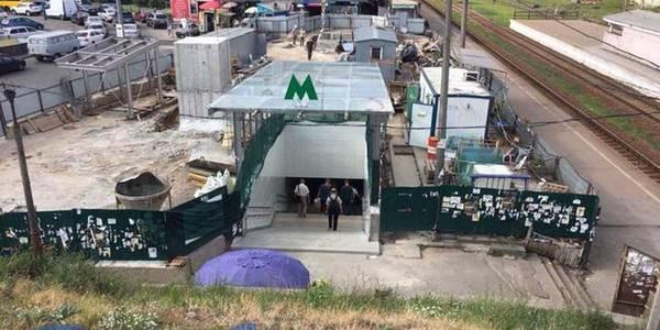 З метро «Святошин» вже можна потрапити на ринок і залізничні платформи чистим переходом