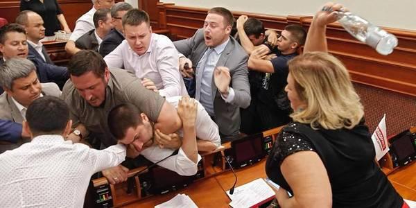 Виборчі сюрпризи: Київраду заблокують на пів року