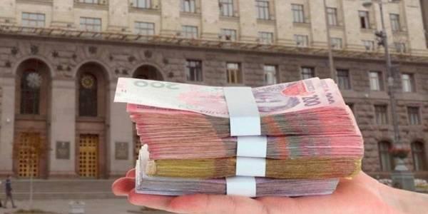 Заблокована Київрада: хто постраждає найбільше