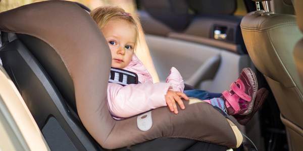 Верховна Рада запровадила штрафи за перевезення дітей без автокрісел