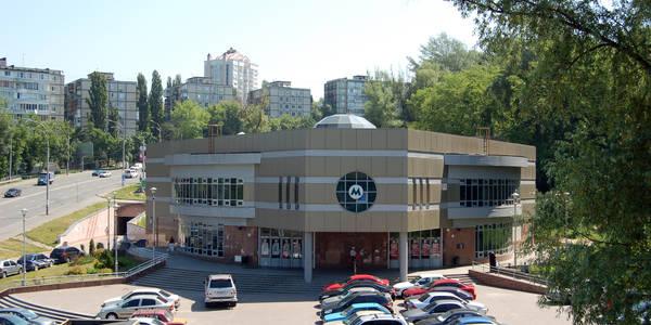 Біля метро Сирець виросте паркінг