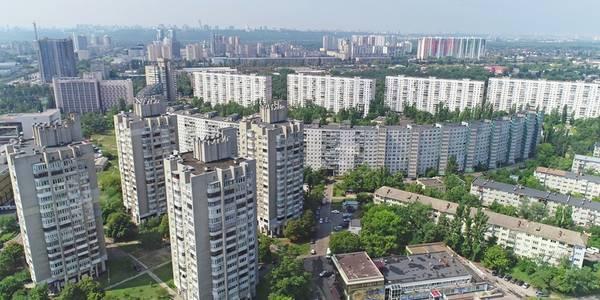 Сотні мільйонів на ремонти: як оновити старі будинки у Києві