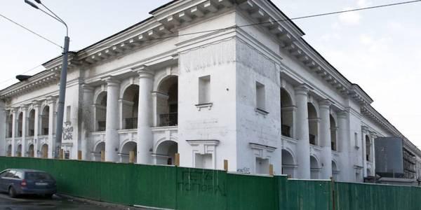 Тривожна ситуація з Гостинним двором: що чекає на київську пам'ятку