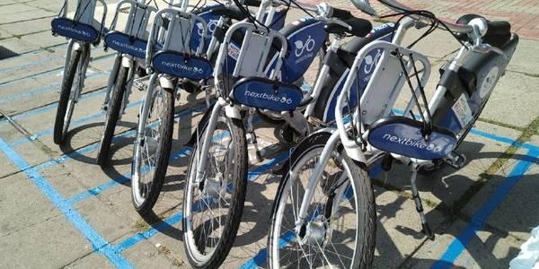 Вихід є: у Києві достроково відкрили громадський прокат велосипедів