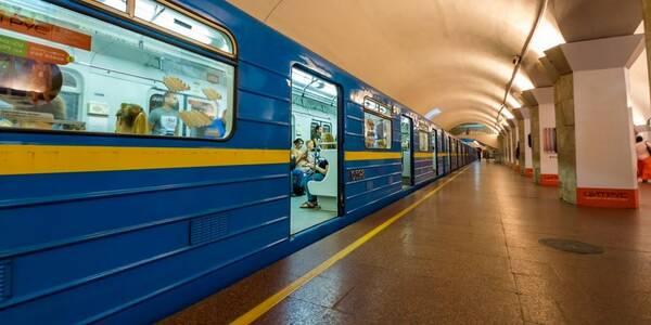 Уряд дозволив відкрити метро та дитячі садки з 25 травня