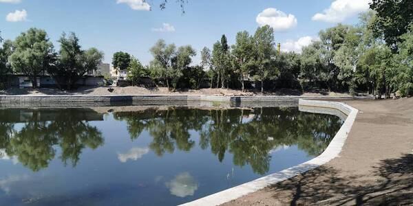 На Оболоні навколо Пташиного озера зробили маленький парк