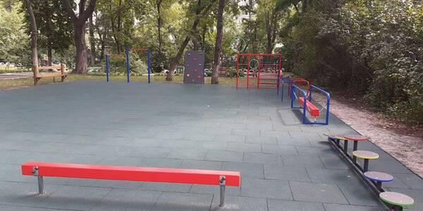 Завдяки підтримці киян у дитячому садочку встановили безпечний майданчик